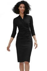 Czarna plisowana sukienka midi z długimi rękawami