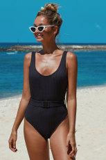 Zwart geribbeld zwempak uit één stuk met riem