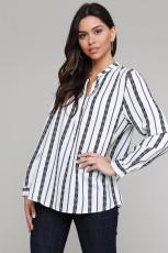 Черная блузка на пуговицах с V-образным вырезом в полоску