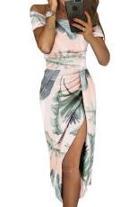 Vestido de manga corta con hombros descubiertos y estampado floral blanco