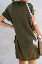 그린은 코튼 블렌드 포켓 티셔츠 드레스를 재생