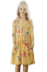 숨겨진 주머니가있는 꽃 겨자 스윙 드레스