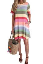 Vestido estilo camiseta a rayas de color morado a rayas