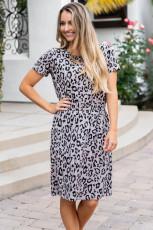 Graues Geparden-Tunika-Kleid
