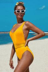 Jednoczęściowy kostium kąpielowy z żółtymi żebrami i paskiem
