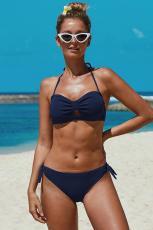 Blaue geknotete geraffte Bikini-Badebekleidung