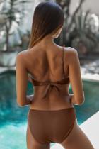 Brauner Badeanzug mit einer Schulter und Rüschen