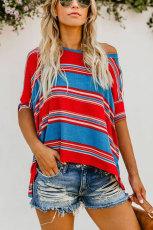 Camisa solta de impressão listrada de cor branca azul vermelha