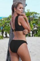 Schwarz geknotete Bikini-Badebekleidung
