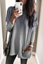 Haut long à poches empilées et couleur gris