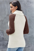 Asymetryczny sweter z okrągłym wycięciem pod szyją i brązowym kołnierzem