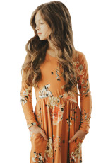 Floral Orange Swing Dress med skjulte lommer