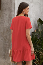 Röd knäppning med knäppning nedåt Ruffle klänning