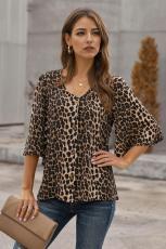 Λεοπάρδαλη κουμπί εκτύπωσης κάτω μπλούζα