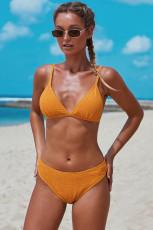 Gul triangulär smockad bikiniuppsättning