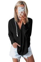 Tricou negru cu guler în formă de salopetă cu guler