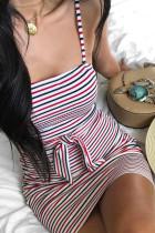 Punainen seksikäs rintaraidallinen hihaton lyhyt mekko