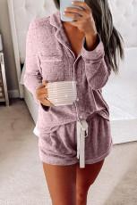 Loungewear rosa de manga larga con botones y cordón
