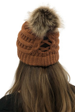 Brown Outdoor Cable Knit Beanie dengan Pompom