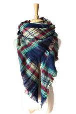 Модный шарф с кисточками в синюю клетку