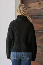 Czarny ręcznie robiony sweter z golfem z dzianiny