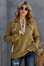 Уютный свитер цвета хаки с высоким воротом и карманом на молнии 1/4