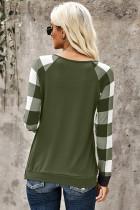 Зеленый топ с длинными рукавами и карманами с пайетками в клетку
