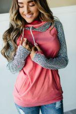 Розовый свитшот с двойным капюшоном на молнии на рукавах с геометрическим принтом