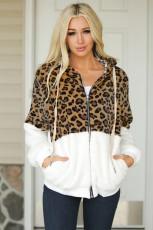 Белое пальто из шерпы на молнии с цветными блоками с леопардовым принтом