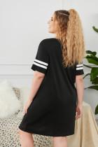 Черное платье для сна больших размеров с короткими рукавами в полоску с графическим принтом