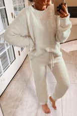 Белый пушистый комплект домашней одежды