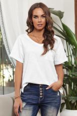 Белая футболка из смесового хлопка с V-образным вырезом, короткими рукавами, передним карманом и боковыми разрезами