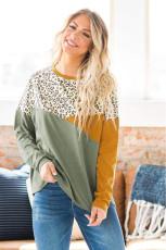 Haut à manches longues vert léopard à blocs de couleurs épissés