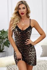 Camisa de alça de renda com estampa de leopardo