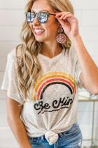 Camiseta con estampado de letras arcoíris