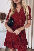 Rode Boheemse gestippelde print, overslag, V-hals, gegolfde mini-jurk