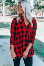 Top túnica fluida con cuello dividido y manga 3/4 roja