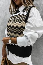Musta aaltoileva raita neulottu villapaita