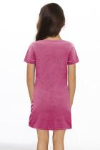Vaaleanpunainen pikkutyttöjen V-aukkoinen T-paita, jossa on Twist Hem -mekko
