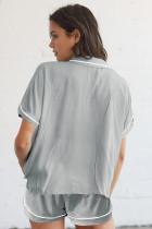 Grå knappad kortärmad skjorta och shorts Pyjamas Set