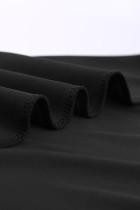 Черное облегающее мини-платье с короткими рукавами и кружевной отделкой