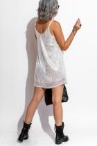 Witte mini-jurk met lovertjes en spaghettibandjes