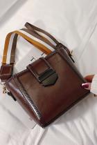 حقيبة كروس من الجلد الصناعي باللون البني