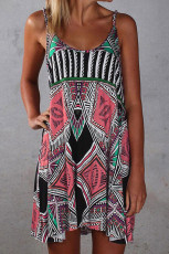 Мини-платье в стиле бохо с тонкими лямками