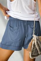 Μπλε σορτς με μπλε τσέπη