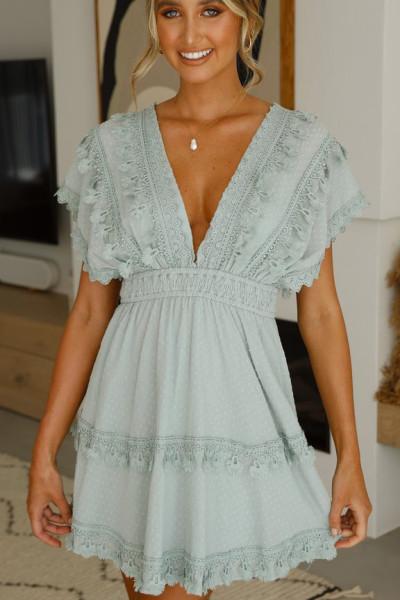Mini rochie verde dantelă cu guler în V fără spate