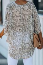 Blus Macan Tutul dengan Lengan Kimono