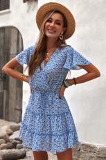 Blå V-hals kortærmet flæse, blomstret kjole