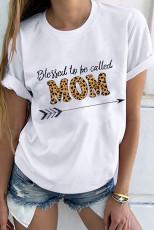 Benedetta per essere chiamata T-shirt bianca grafica della mamma