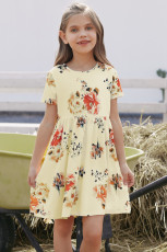 Vestido floral infantil con bolsillos de manga corta